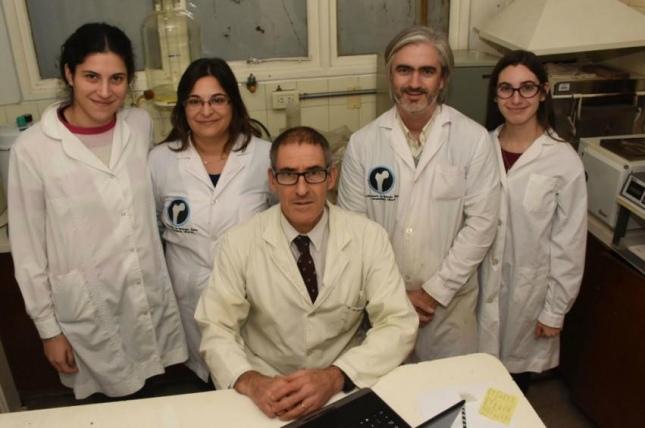 Resultado de imagen para Científicos rosarinos desarrollan una leche de vaca rica en calcio y baja en lactosa