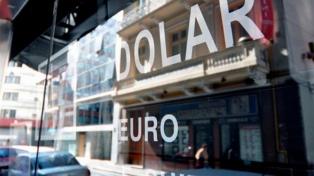 En algunos bancos el dólar cotizó a $20 y en promedio cerró en $ 19,90