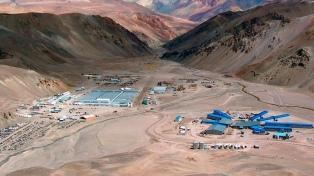 Procesan y embargan a dos ex funcionarios por el derrame en la mina Veladero