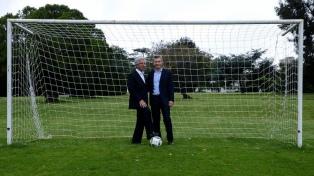 Argentina y Uruguay anunciarán la postulación en octubre