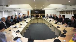 Fiscales de Estado reforzaron el rechazo de los gobernadores a ceder fondos a Buenos Aires