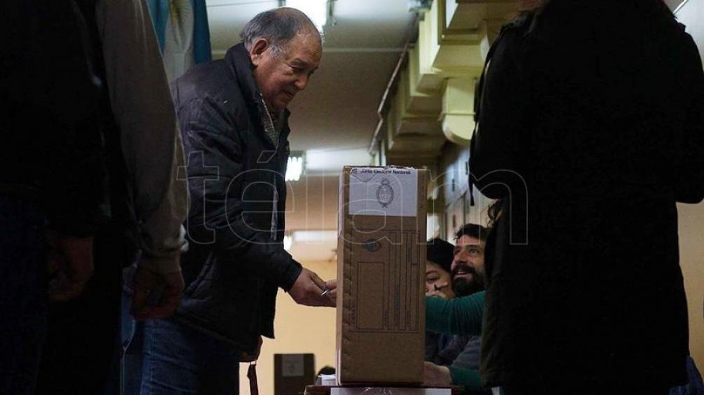 MISIONES: Cerraron las elecciones y el gobierno dará detalles a las 18.30