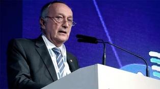 El titular de la UIA aseguró que las reformas laboral y tributaria buscan reducir la informalidad