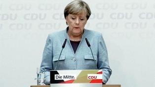 Merkel insistió en que quiere gobernar hasta 2021, pese a la presión interna