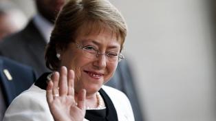 Bachelet, honrada de recibir al papa Francisco