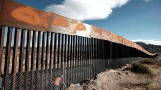 Trump dijo que México pagará el muro a través del Nafta