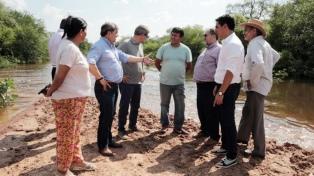 Continúa la asistencia a familias afectadas por la crecida del río Bermejo