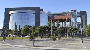 La provincia adhirió al pacto fiscal firmado con la Nación
