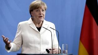 Merkel consideró un enorme paso adelante la cooperación de la UE en Defensa