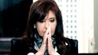 """Cristina Kirchner denunció ser víctima de """"persecución y ensañamiento"""""""