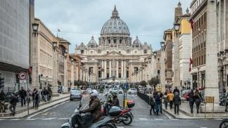 """El Vaticano sostuvo su """"voluntad"""" de acordar con China para designar obispos"""