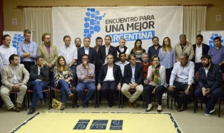 El peronismo federal y el massismo lanzaron un espacio para enfrentar a Cambiemos en 2019