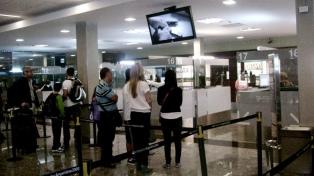 El arribo de turistas extranjeros creció un 7,4 % en agosto