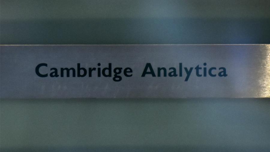 Facebook pagará una multa de medio millón de libras por Cambridge Analytica