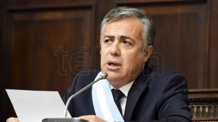 """Cornejo dijo que """"enfrenta los problemas en vez de anestesiarlos"""""""