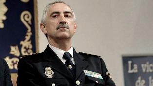 Renuncia alto mando policial tras descubrirse que insultaba a políticos en Twitter
