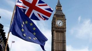 May consigue el apoyo del gabinete británico al acuerdo del Brexit