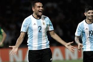 Mercado sacó ventaja sobre Foyth para el partido de Argentina frente a México