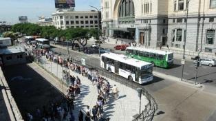 Por una protesta, los gremios del transporte no prestarán servicios el 1° de Mayo