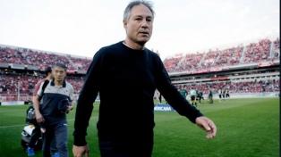 El Santos de Brasil está interesado en contratar a Holan