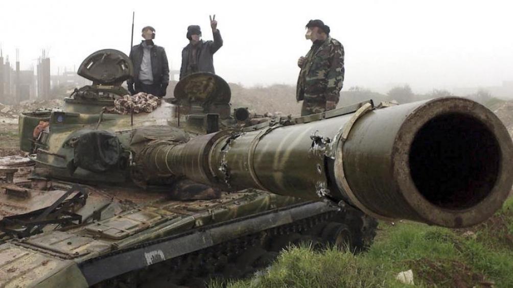 Fuerzas kurdas arrebatan a yihadistas una localidad clave del este
