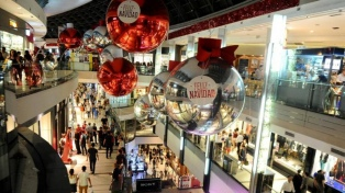 """Unas 650 mil personas recorrieron la """"Noche Shopping"""" en busca de regalos navideños"""