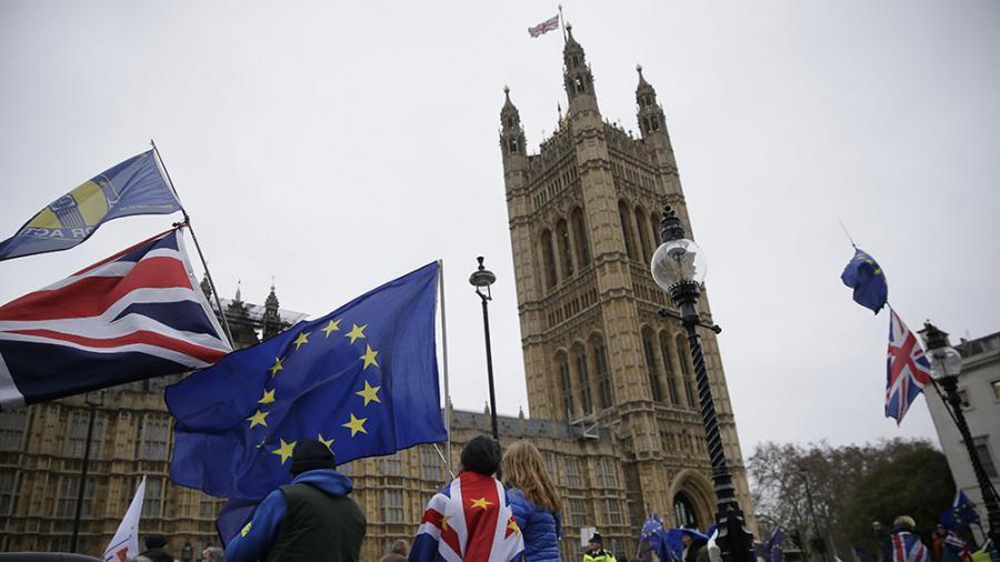 Cae la libra esterlina británica por la posibilidad de un Brexit sin acuerdo