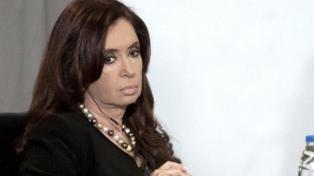 """Cristina Kirchner: """"El espionaje político que se vive en el país es francamente intolerable"""""""