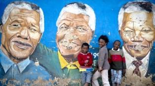 Sudáfrica espera los resultados tras las elecciones marcadas por la corrupción y desempleo