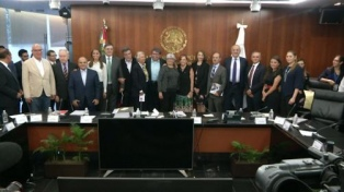 México advierte que los aranceles de Trump dañarán a ambos países