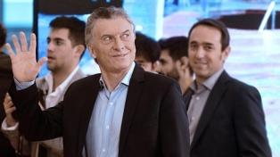 Macri encabeza reunión del Gabinete y viaja a Tucumán para recorrer obras