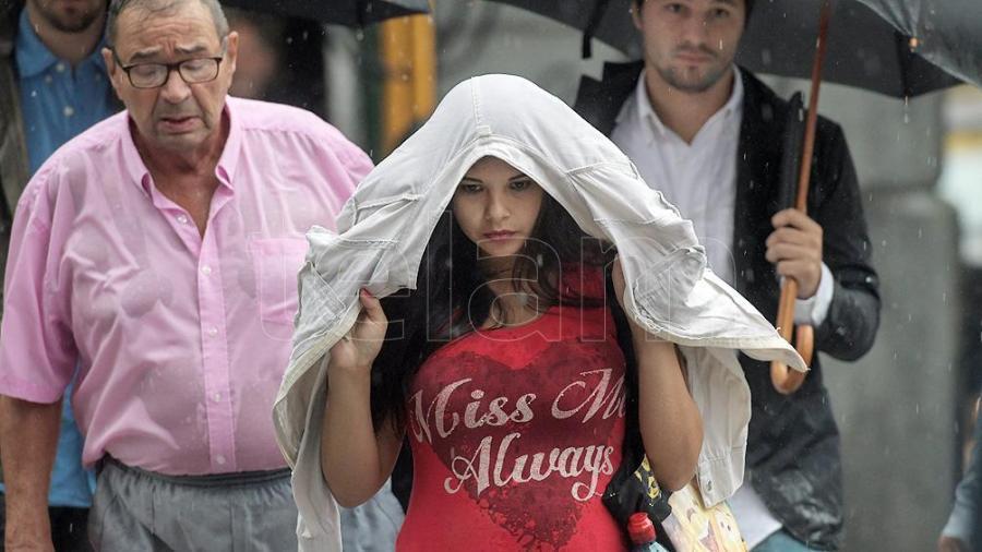 Alertas por tormentas fuertes para la Ciudad y la provincia de Buenos Aires