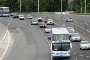 Con una inversión de $215 millones, avanza la obra de repavimentación de la Autovía 2