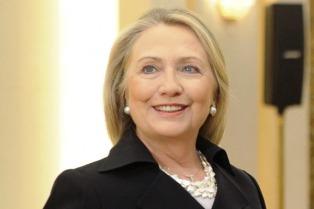 Hillary Clinton tiene neumonía y debe hacer reposo