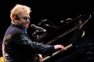 Los conciertos míticos de Elton John, en una serie semanal