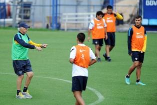 Bianchi probó cinco cambios de cara al partido  en Ecuador por la Copa