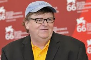 Michael Moore llama a una protesta contra la asunción de Trump