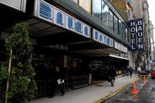 Larroque presentó un proyecto de expropiación del hotel Bauen