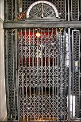 Los ascensores porteños tienen una antigüedad promedio estimada en 60 años.