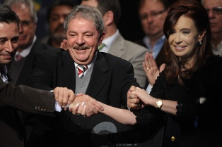 """Cristina: """"El día que creemos el botón antizonzo, a la Argentina no la para nadie"""""""