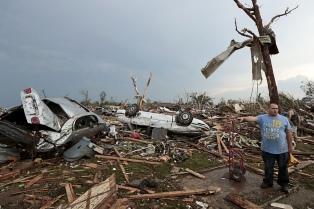 Al menos 18 muertos tras el paso de nuevos tornados en Oklahoma