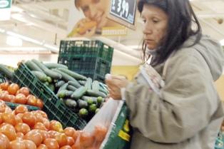 """Baja el precio del tomate """"pese a los deseos y los pronósticos de algunos medios de comunicación"""""""
