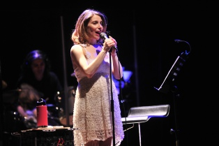 Elena Roger canta en el Colón a beneficio del Fleni