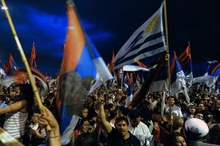 Dirigentes del Frente Amplio reclaman renovación dirigencial