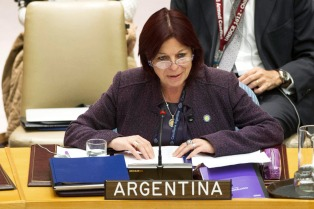 La embajadora Perceval destacó el reconocimiento internacional a la inciativa del país contra los buitres