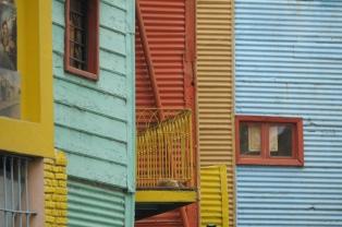 Inauguran la restauración de un sector de Caminito con sus colores originales