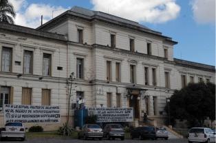 """Médicos del Moyano denunciaron descuento de salarios """"ilegales"""" que podrían derivar en """"despidos masivos"""""""