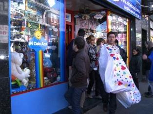 Lanzan una campaña en jugueterías para incentivar las compras en comercios habilitados