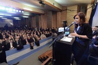 """Cristina anuncia la construcción de la nueva """"Central Termoeléctrica Guillermo Brown"""" en Bahía Blanca"""
