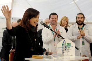 """Cristina: """"Algunos quieren volver a la Argentina del endeudamiento"""""""